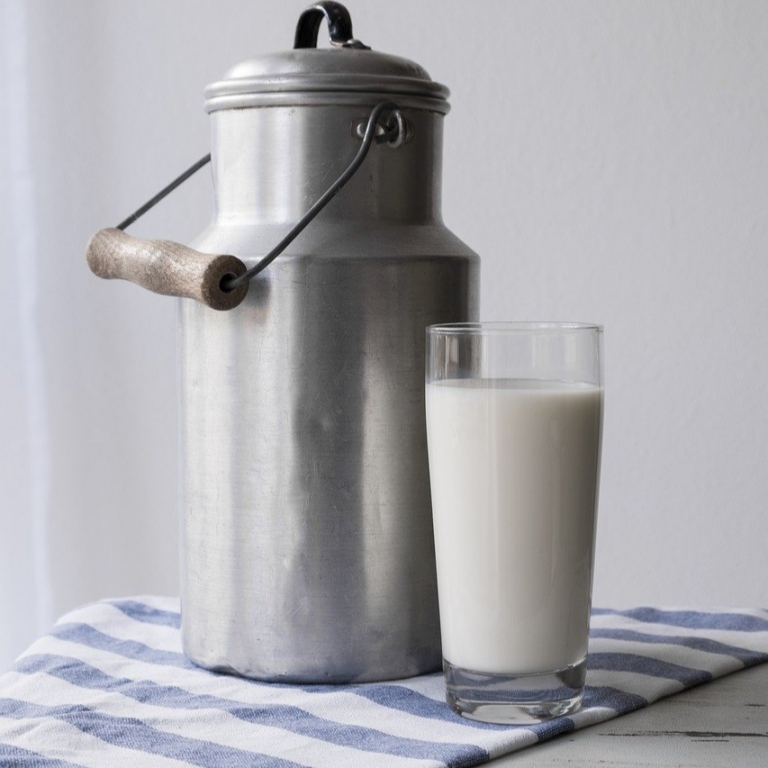 mlekarny a minimlekarny ilustracni obrazek